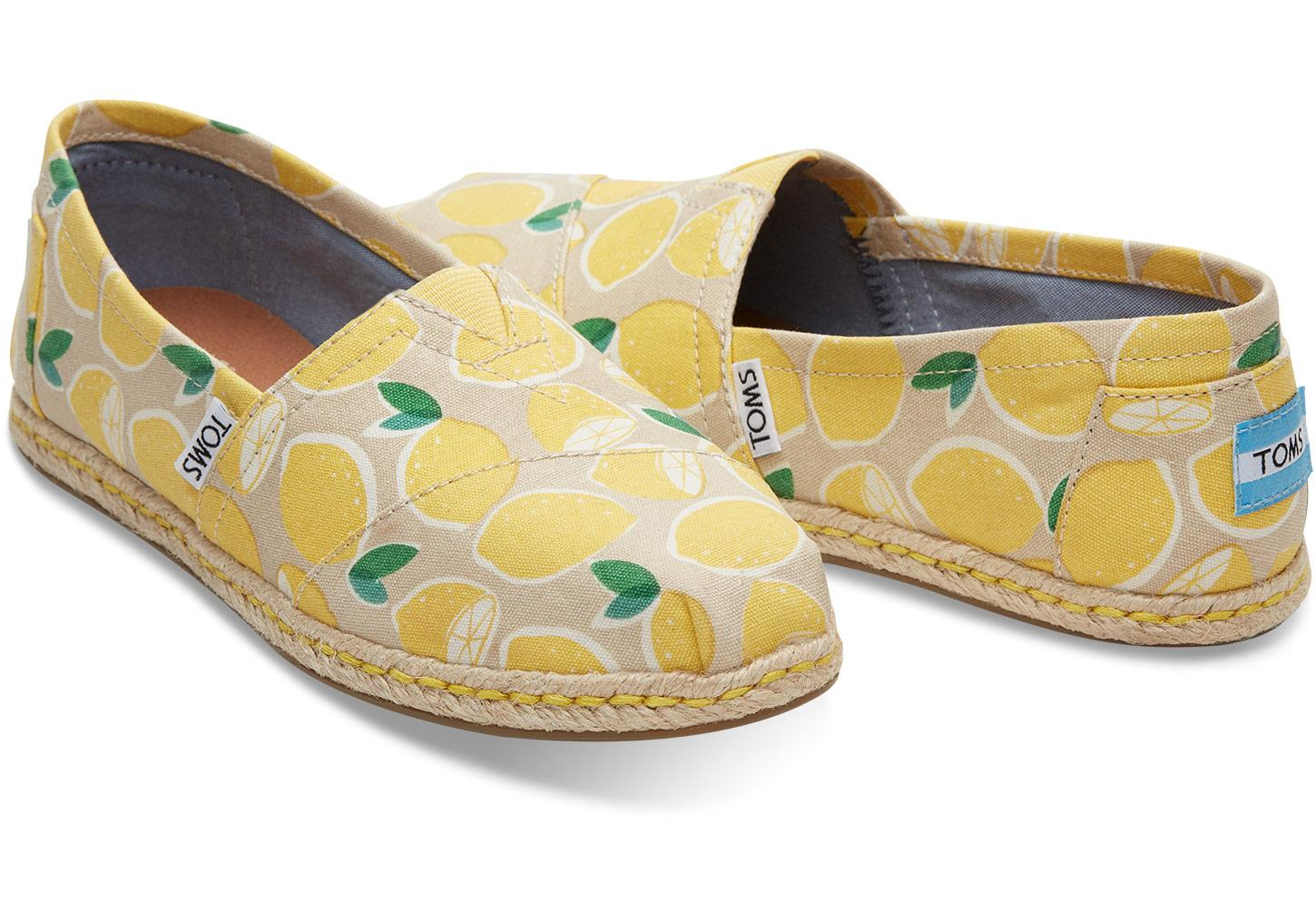 71a9221d1bc Gallery. Previously sold at  Bloomingdale s · Women s Yellow ...