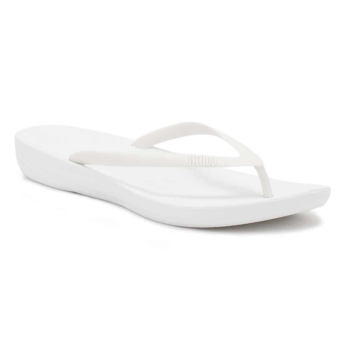 e4343096ccb Lyst - Fitflop Iqushion Ergonmic Flip Flops in White - Save 41%