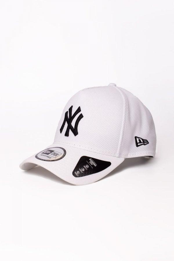 3ea7c9be9e4 KTZ Ny Yankees Diamond A-frame Trucker Cap in White for Men - Lyst