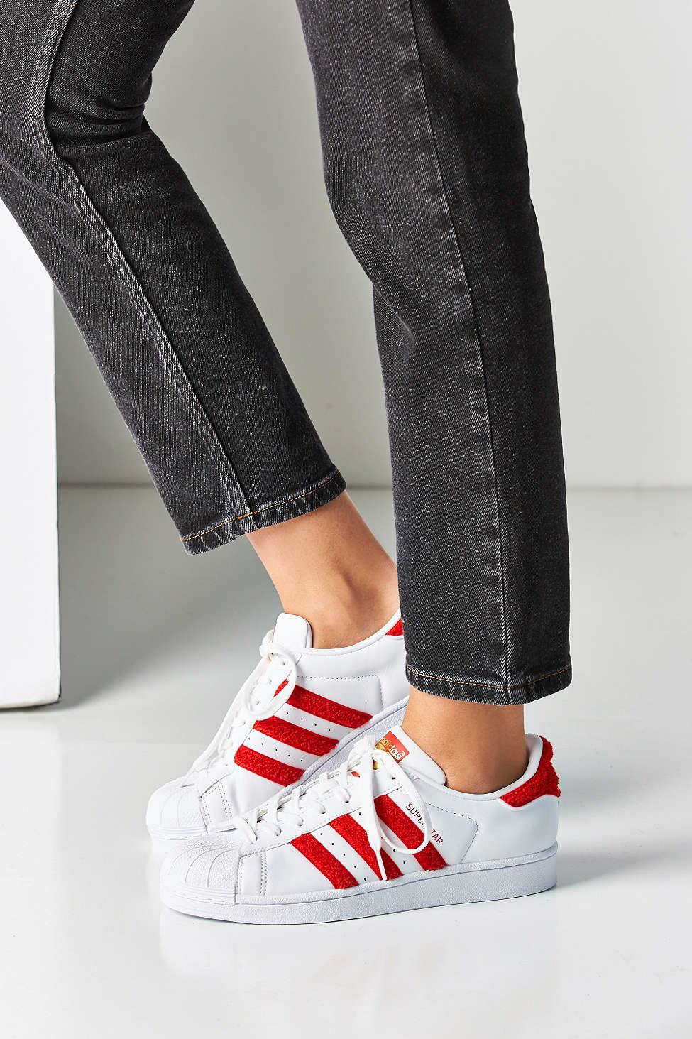 lyst adidas originali originali, superstar scarpe bianche