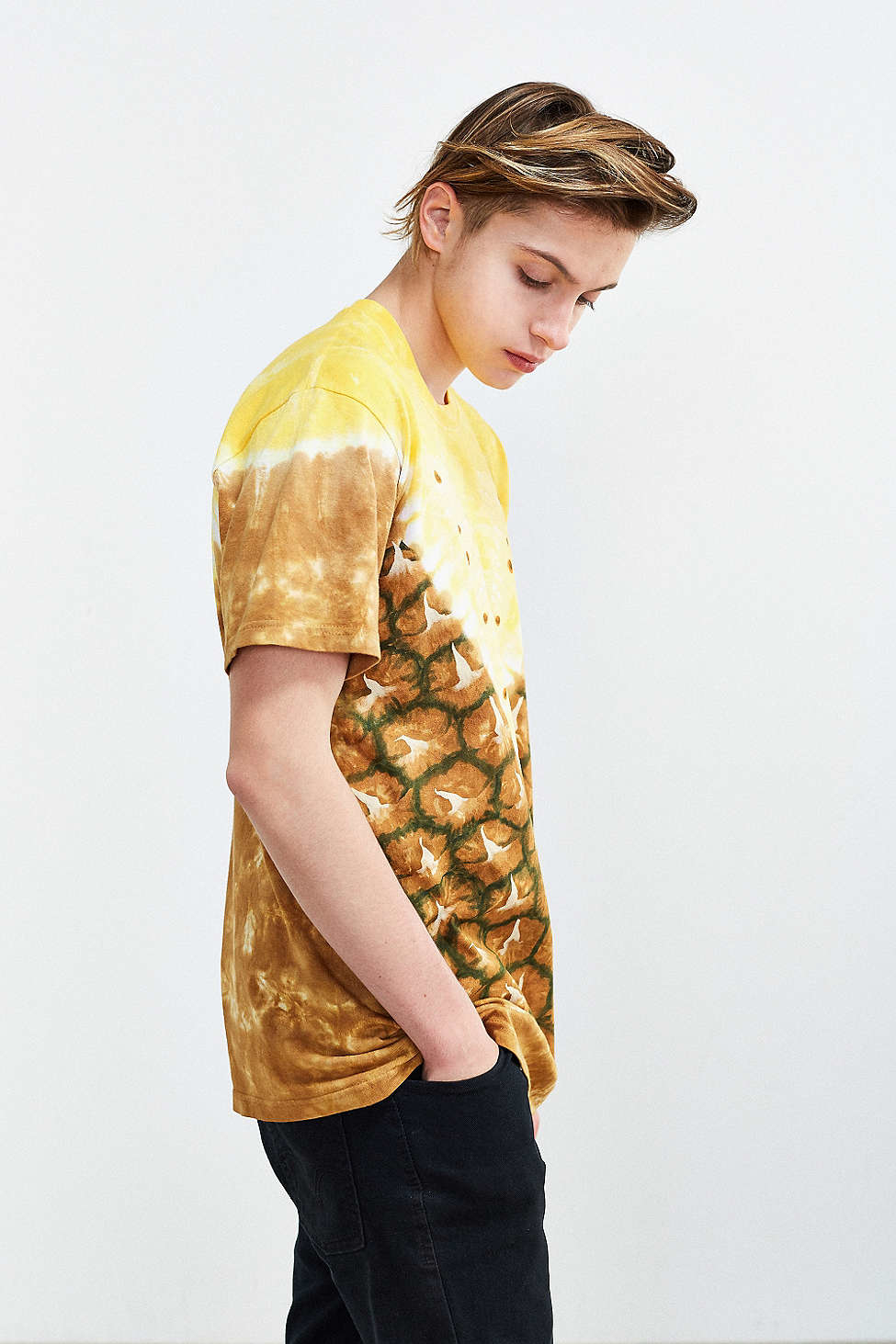Urban outfitters Pineapple Dyed Tee in Yellow for Men | Lyst