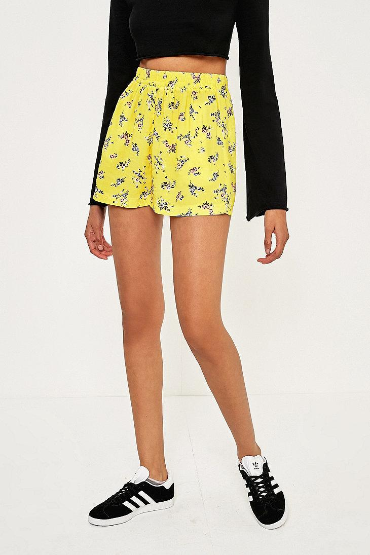 Urban outfitters Urban Outfitters Floral Elastic Waist Shorts in Yellow | Lyst