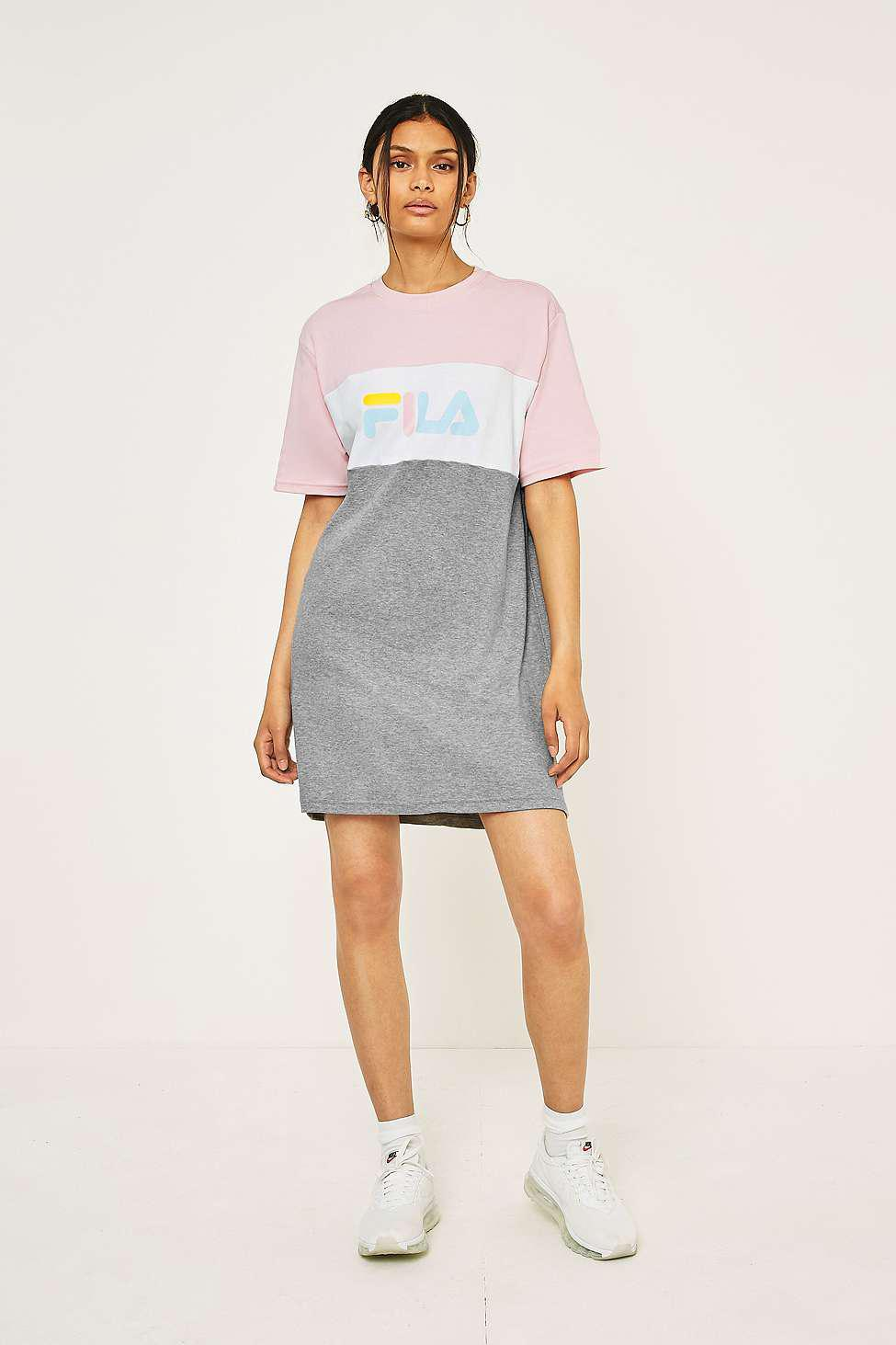 09c8b931a4 Gallery. Previously sold at  Urban Outfitters · Women s T Shirt Dresses