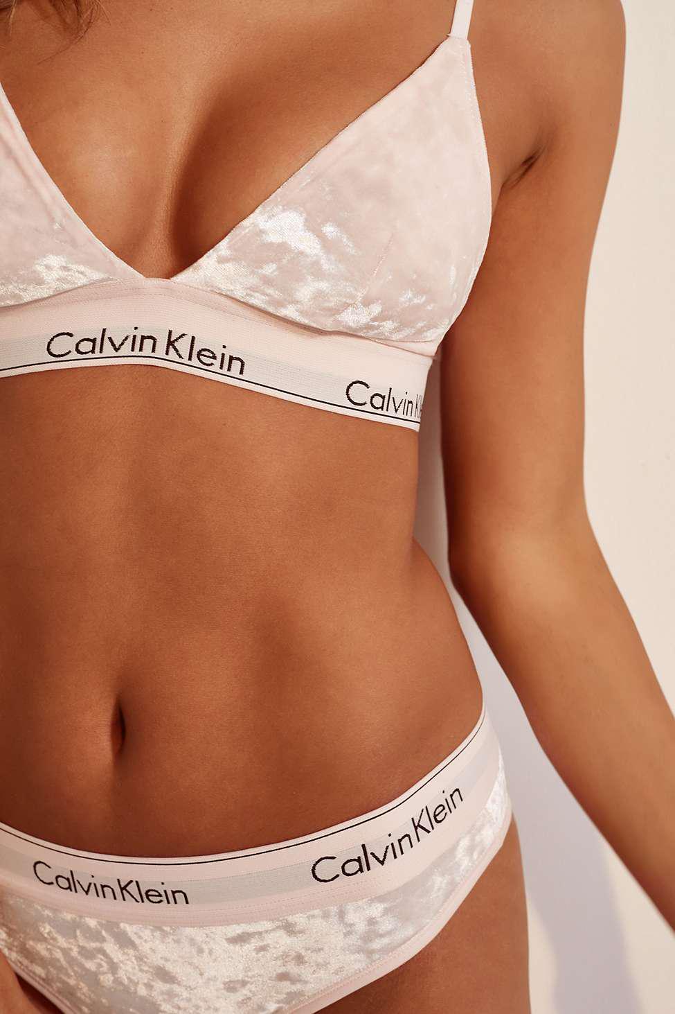08ea723bfa59a Calvin Klein Modern Pink Velvet Triangle Bra - Womens L in Pink - Lyst