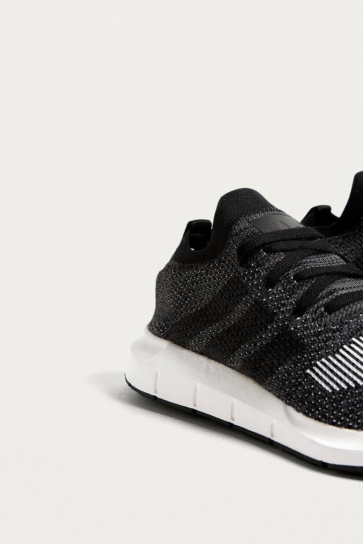 Lyst adidas Originals Swift Run negro trainers in negro para hombres