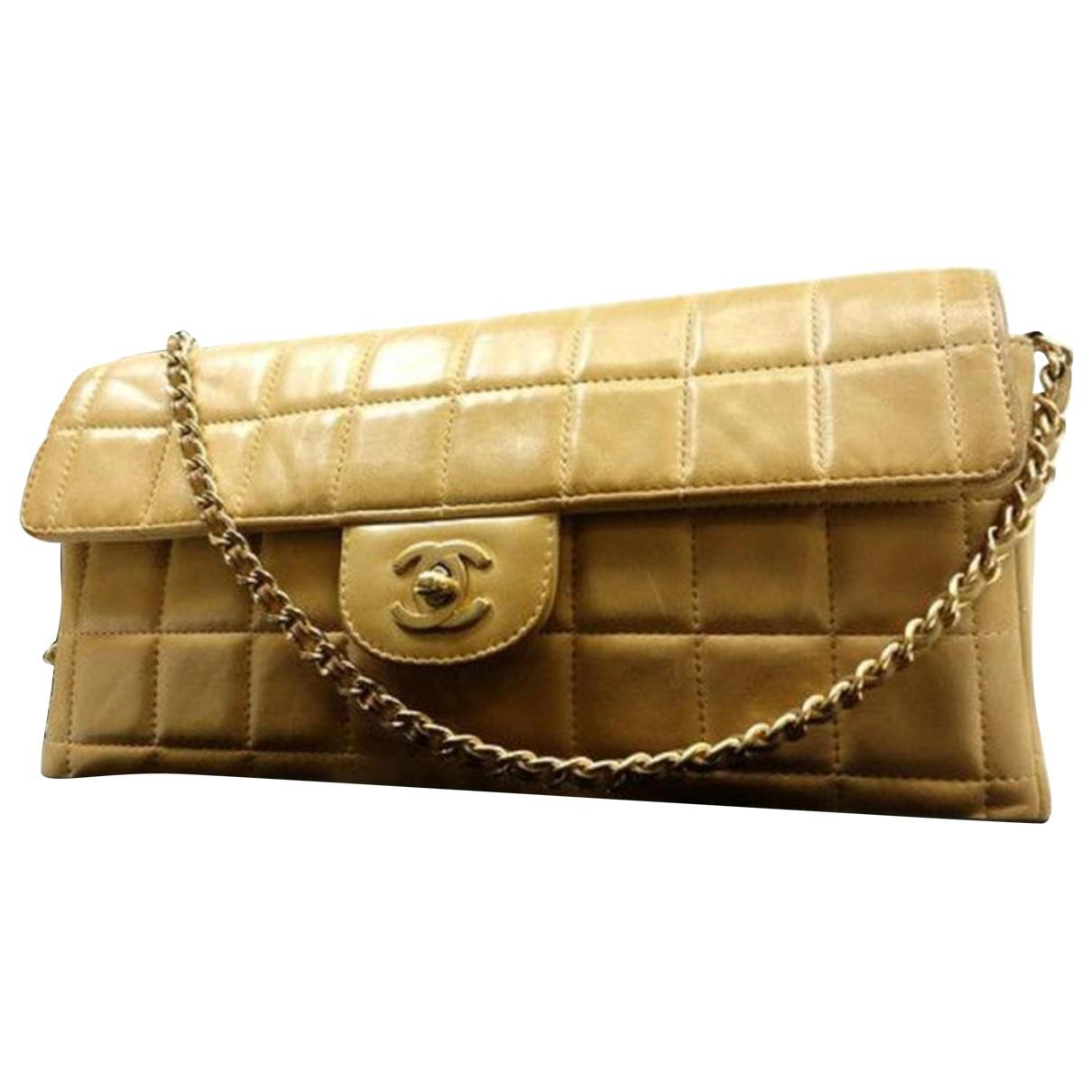 ca6f7dd1b8b6 Chanel Pre-owned East West Chocolate Bar Patent Leather Handbag in ...