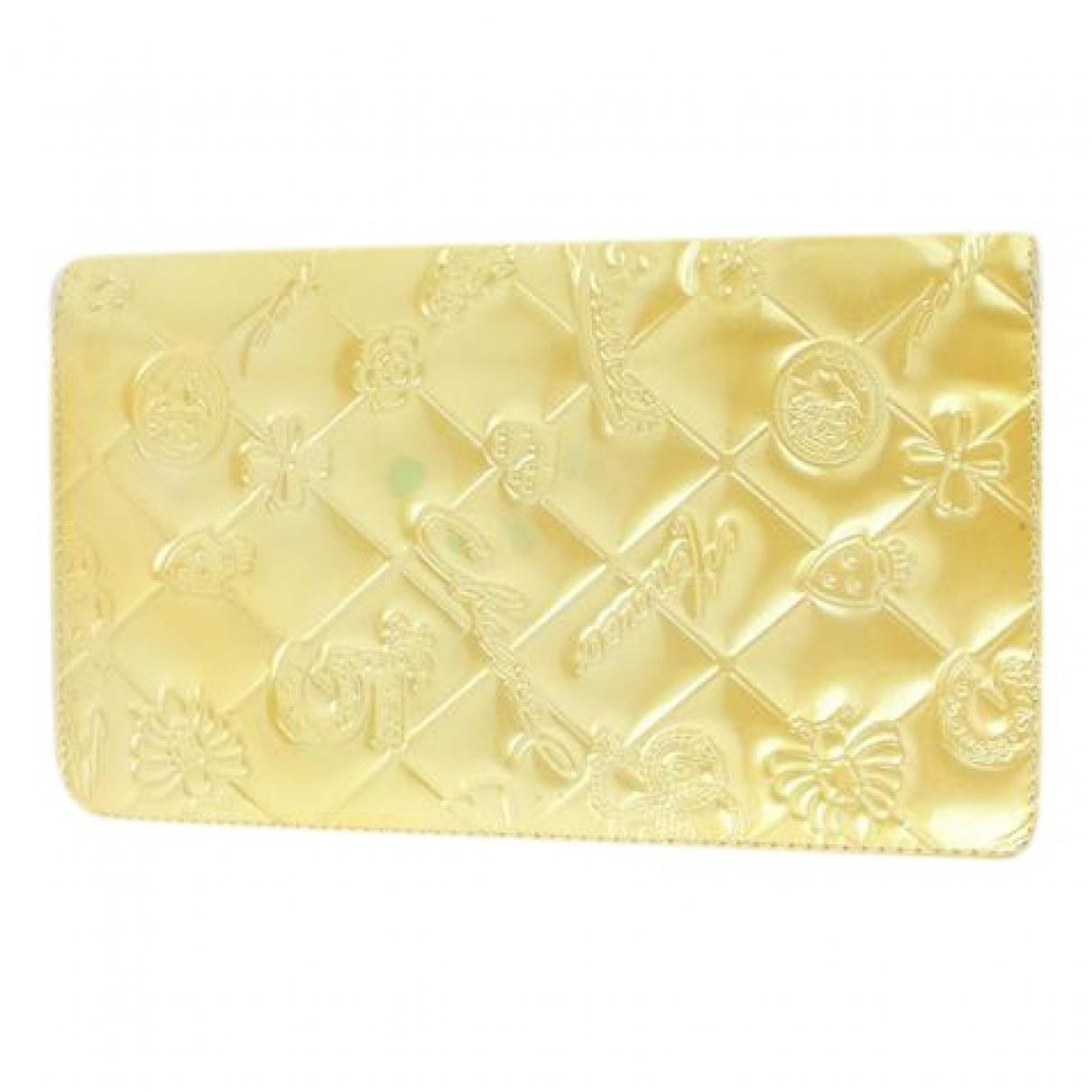 8d616bbd30 Chanel - Yellow Patent Leather Clutch Bag - Lyst. View fullscreen