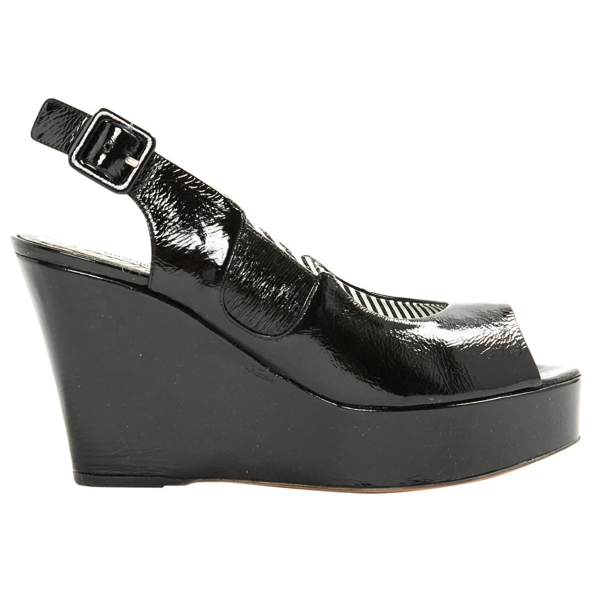 7d02cdd42ff Lyst - Moschino Pre-owned Patent Leather Heels in Black