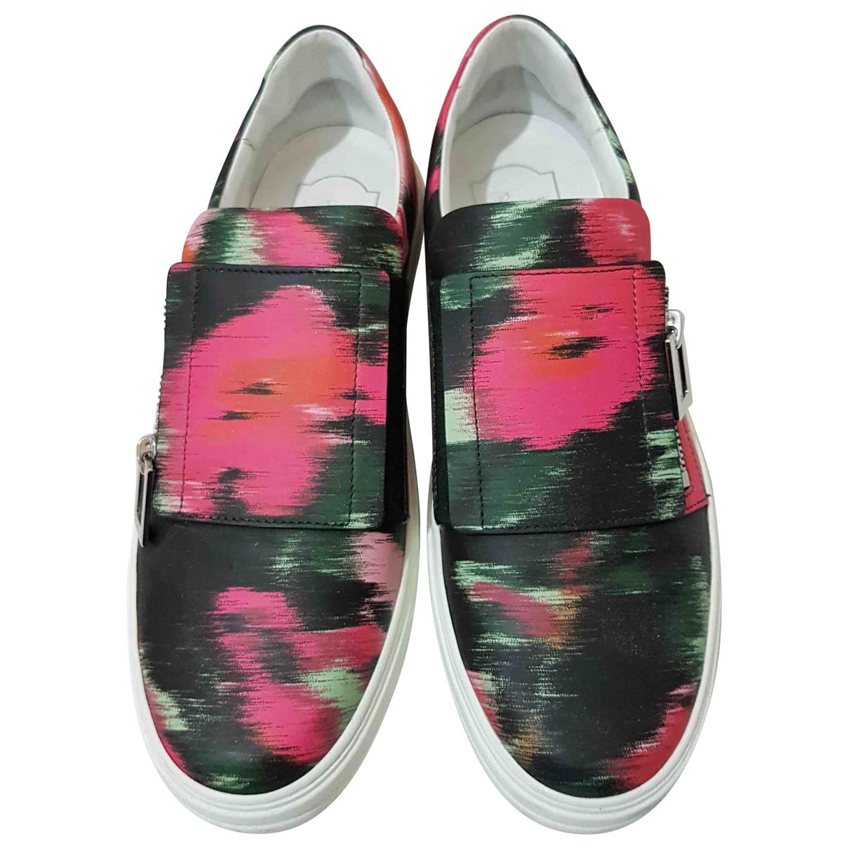 Pre-owned - Patent leather low trainers Roger Vivier 3D5fSTb