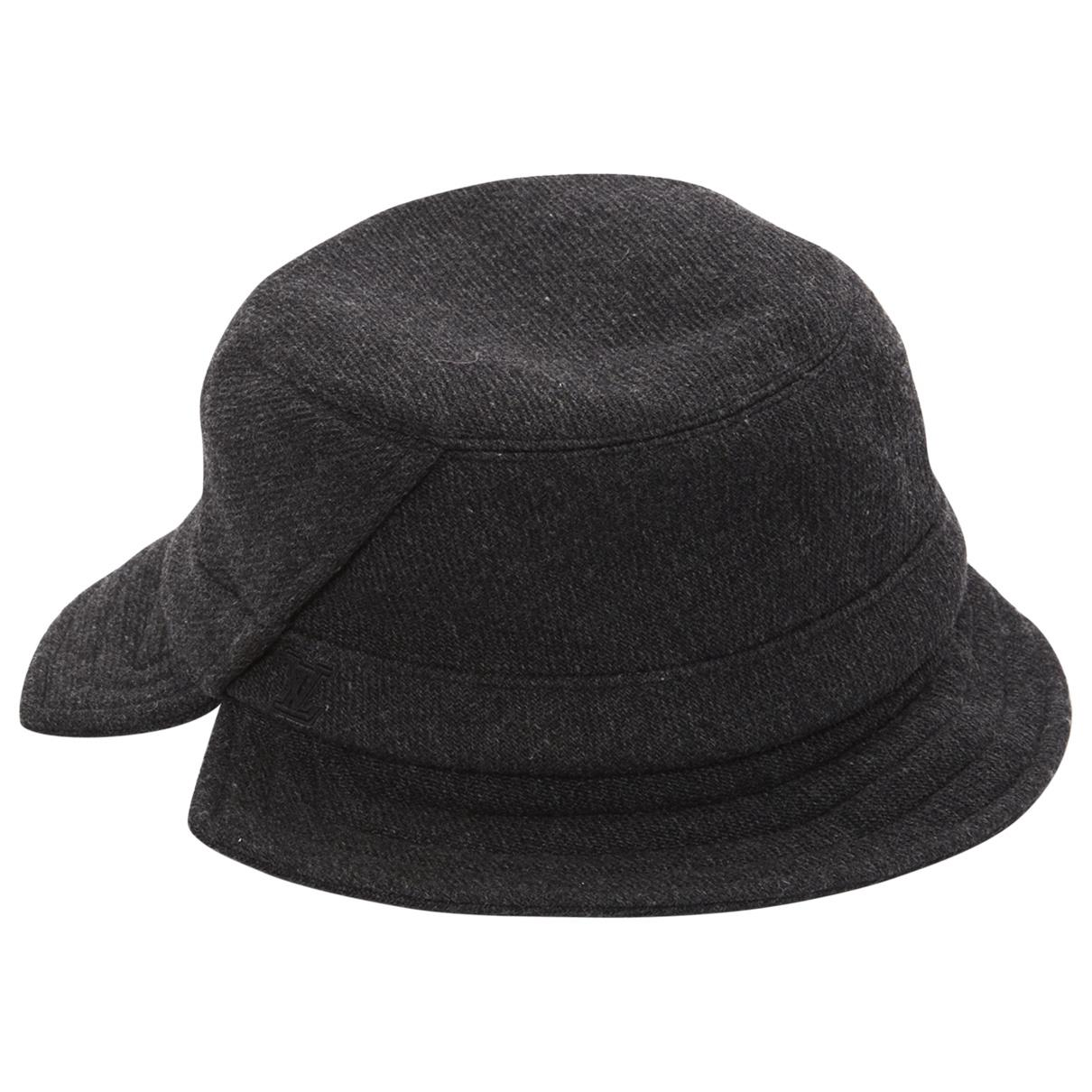 8bf0730b10ad0 Louis Vuitton. Women s Anthracite Wool Hats.  509  458 From Vestiaire  Collective