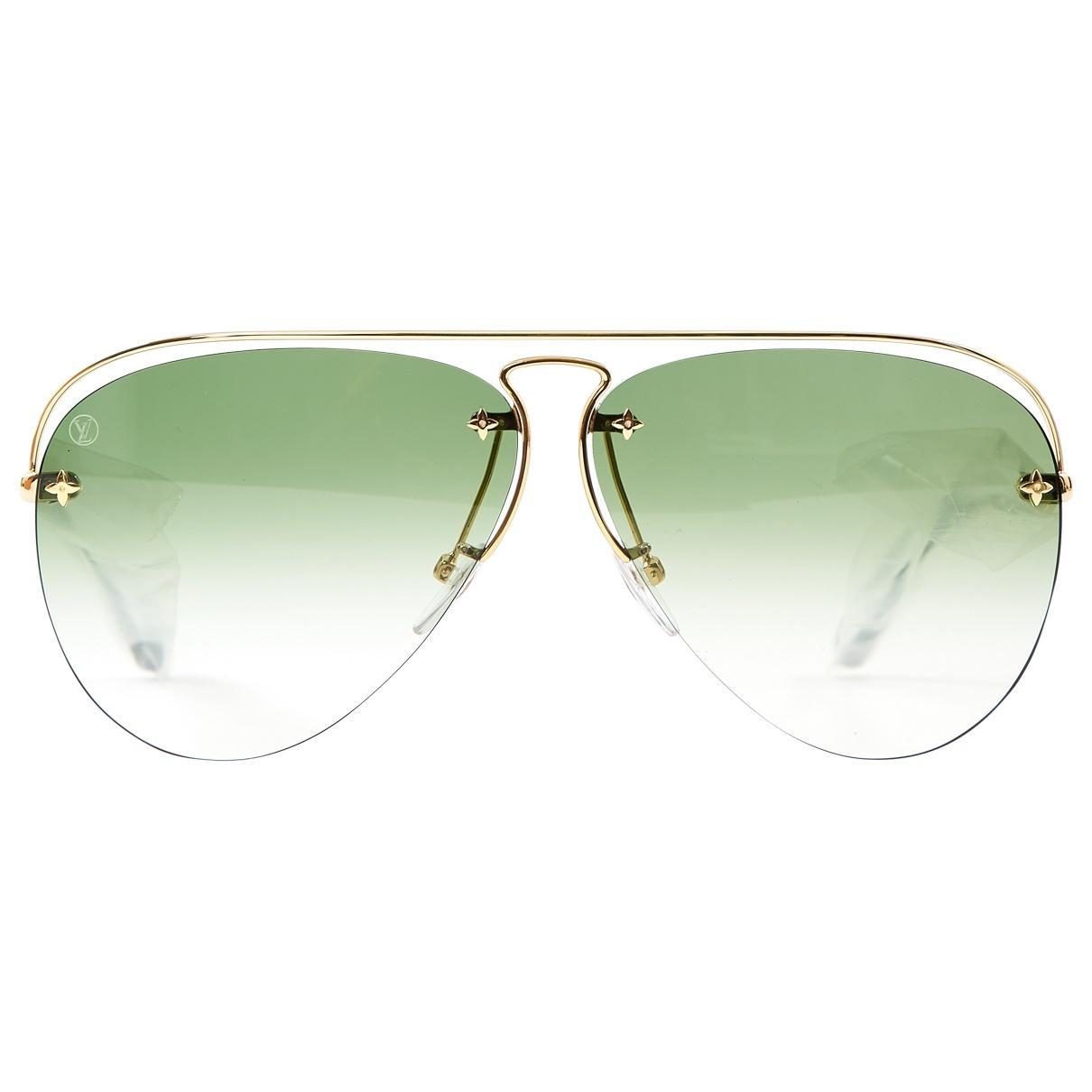 e895618627 Louis Vuitton Aviator Sunglasses in Green - Lyst