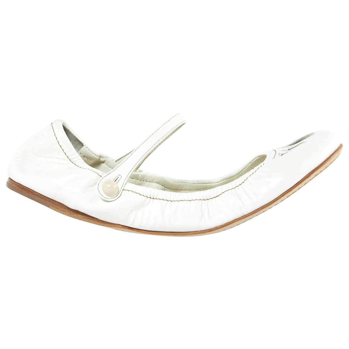 Miu Miu Leather Varnish Ballet Flats qDcLK