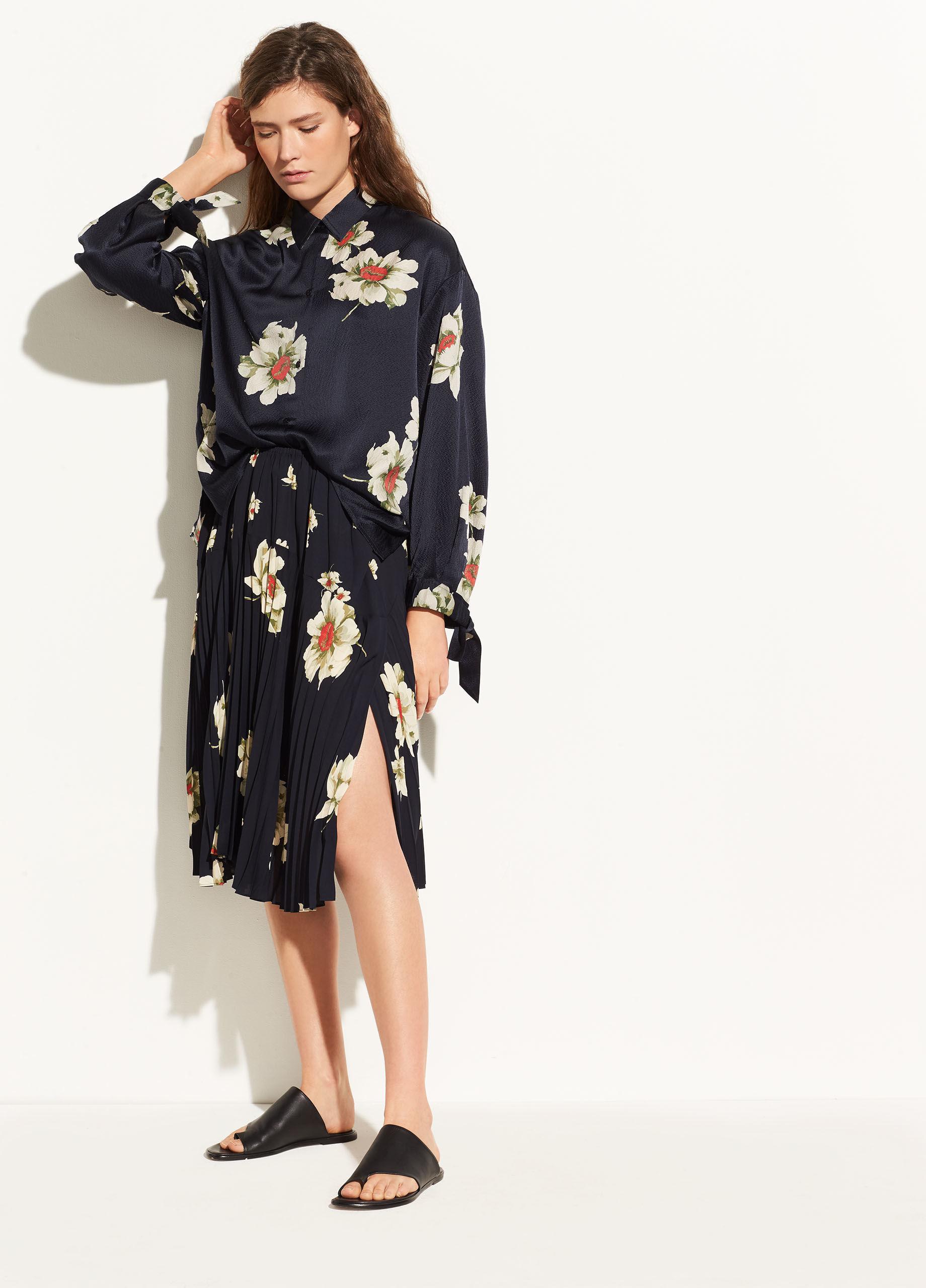 e6e4b5e79 Vince Gardenia Floral Pleated Seamed Skirt in Blue - Lyst