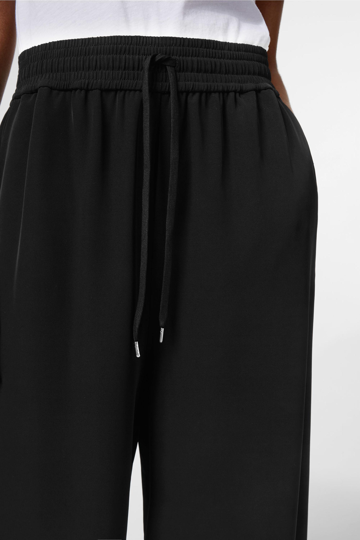 Jonna Trousers - Black Weekday 64H6g1L2W7