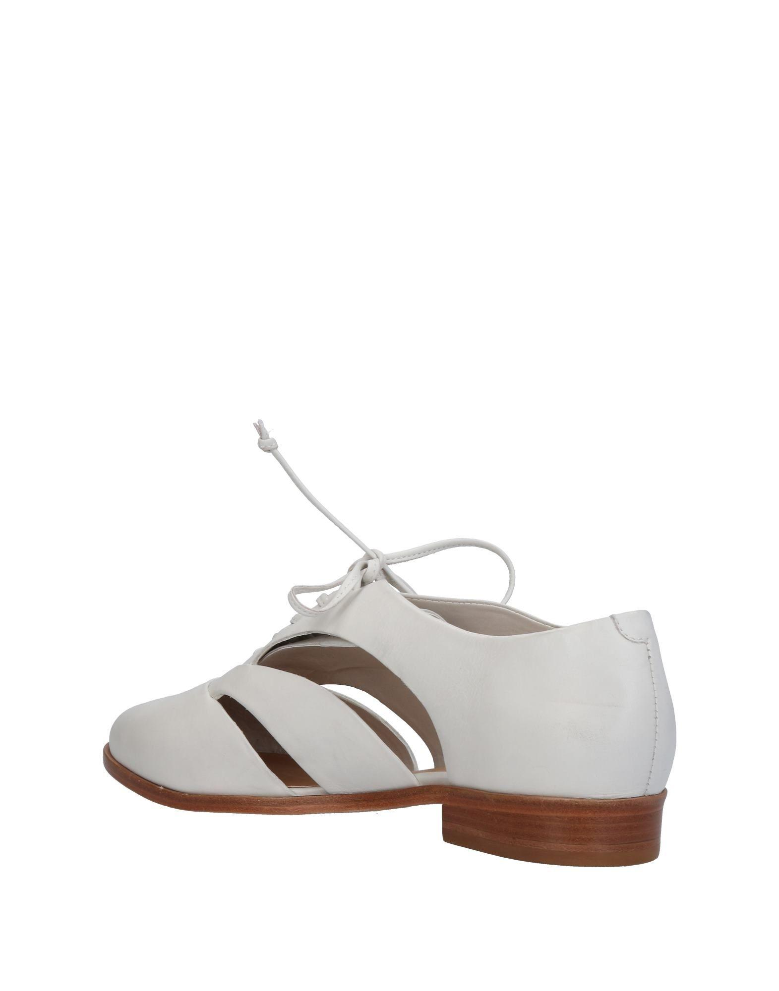 Lyst - Chaussures à lacets Schutz en coloris Blanc e32b0b25e86d