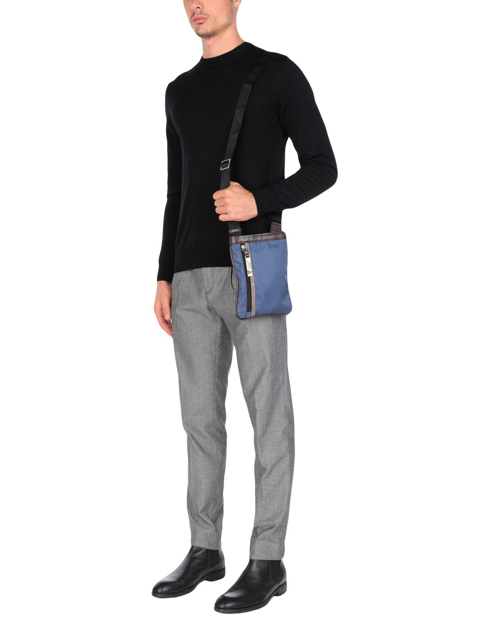Lyst Wtquw Jeans En Coloris Versace Bandoulière Pour Bleu Sacs Homme IDH2WE9