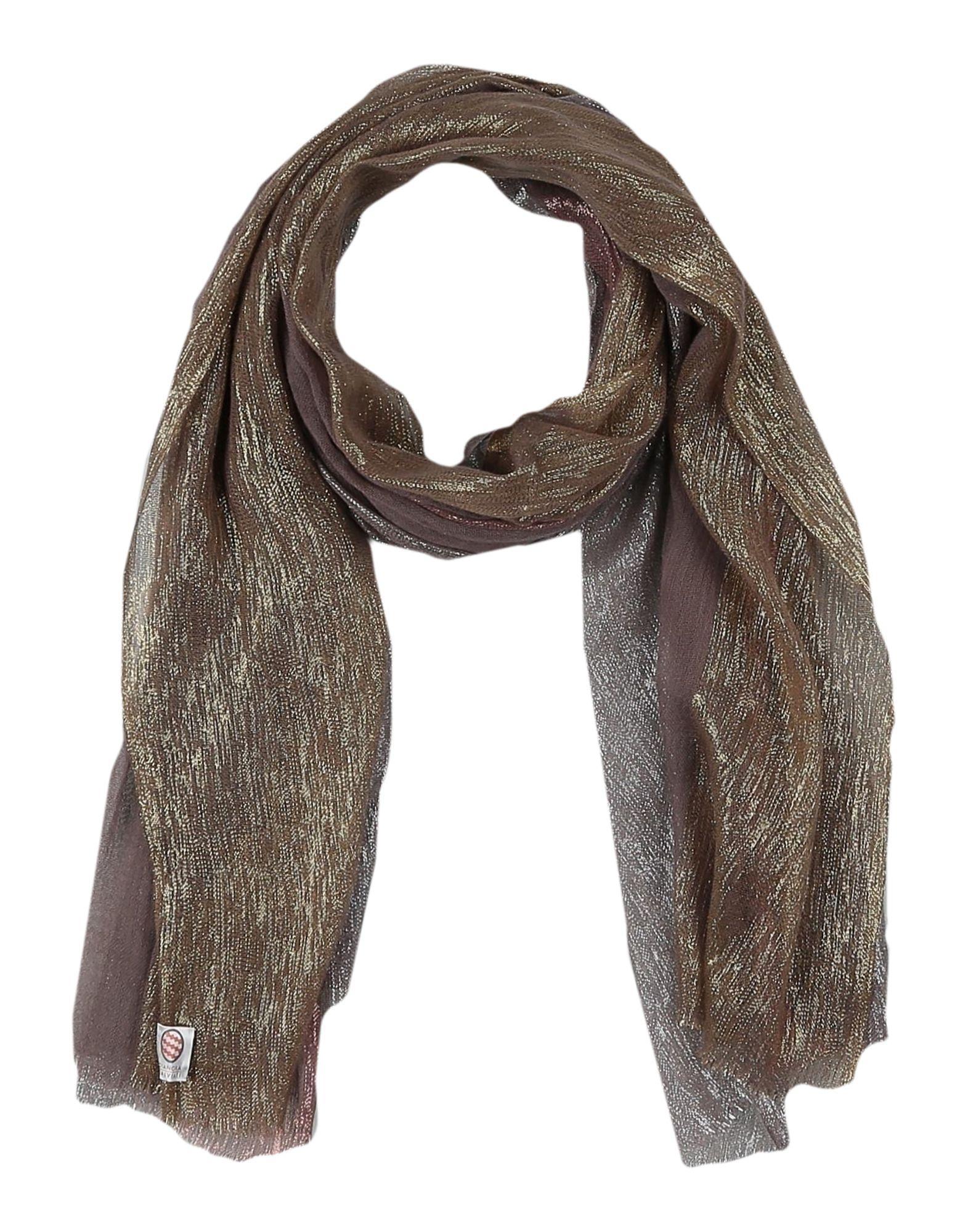 d37e2a550 Dianora Salviati. Estola de mujer de color marrón