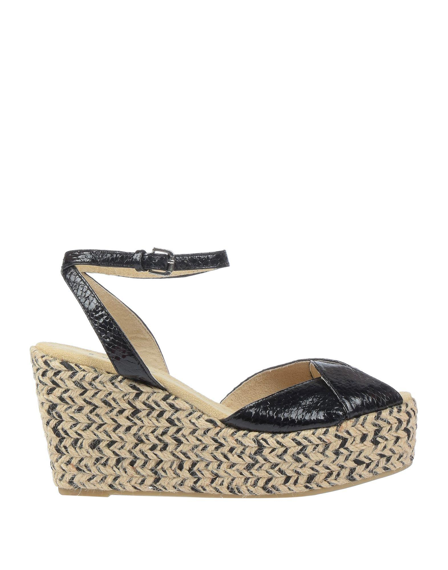 64bd0fc11e05 Dkny Sandals in Black - Lyst