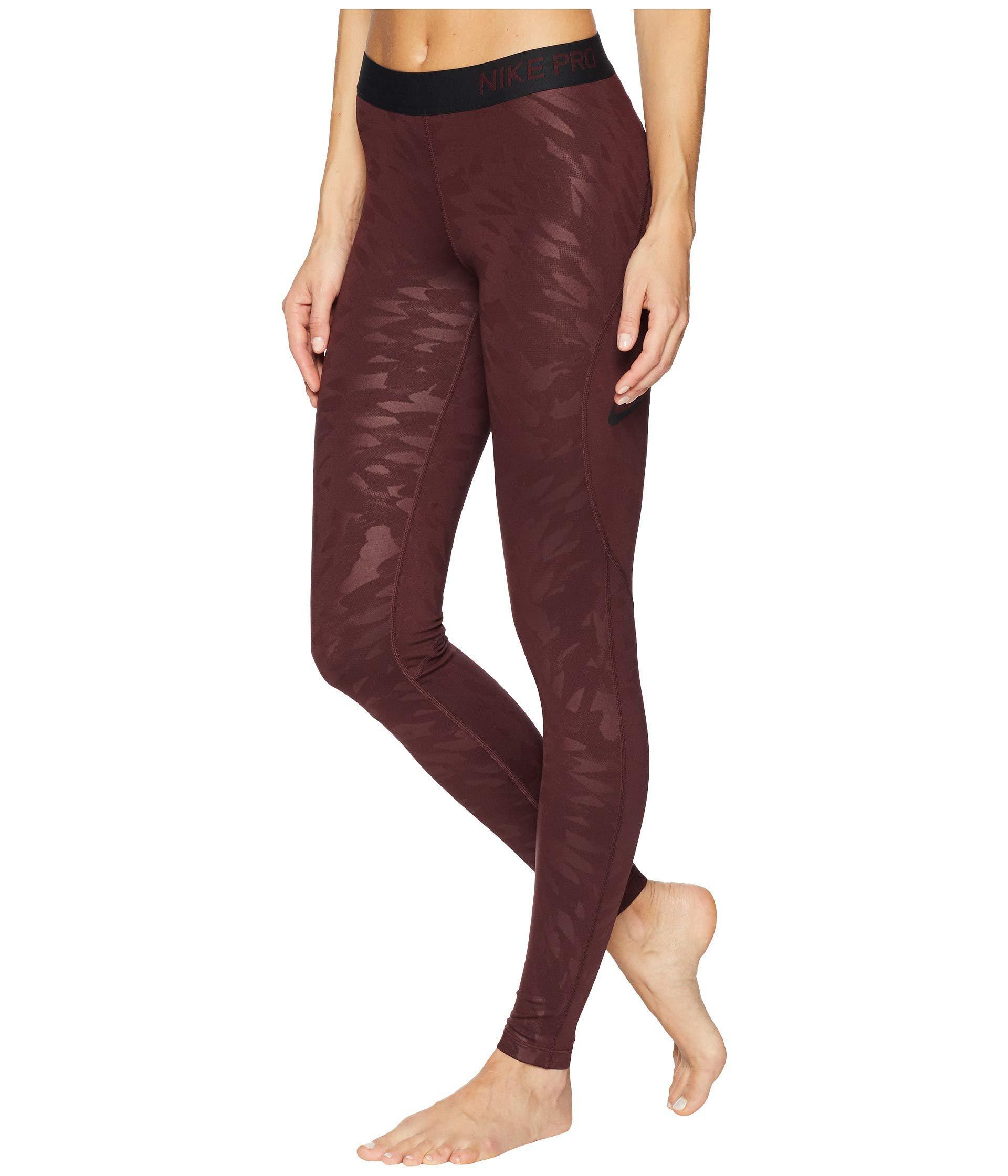 0202ec640ee09 Nike Pro Warm Embossed Wing Tights (burgundy Crush/black) Women's ...