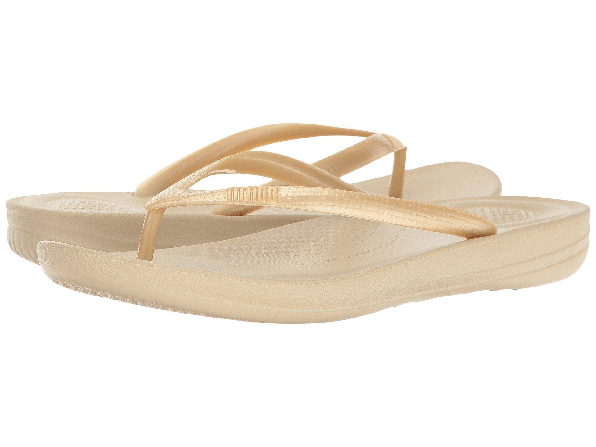 785c259d28c Lyst - Fitflop Iqushion Ergonomic Flip-flop (gold) Women s Sandals ...
